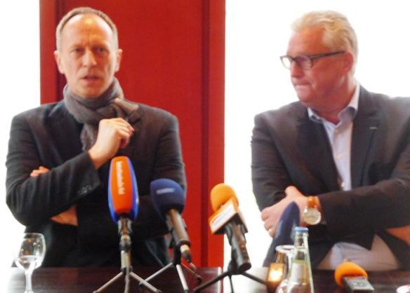 Hasko Weber (links) und Guy Montavon. Freundlich distanzierte Annäherung der Theater Weimar und Erfurt. Foto. mip